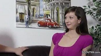 Казахские студенты трахаются толпой на секс вечеринке на хэллоуин