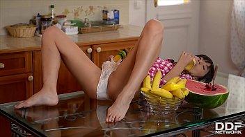 Новые порно ролики с моделью: сюзан юбенк / susan eubanks